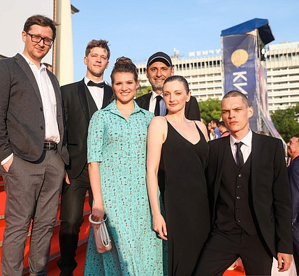 Студенты и выпускники Московской школы кино представят свои фильмы на Кинотавре